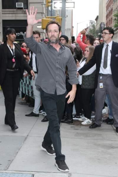 Luke Perry arrivant aux studios AOL, le 8 octobre 2018 à New York