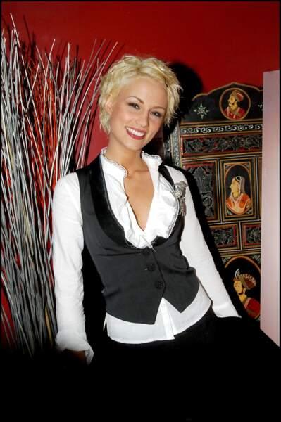 Elodie Gossuin assiste à la finale de Casting magazine dans les salons du Louvre le 16 février 2006.