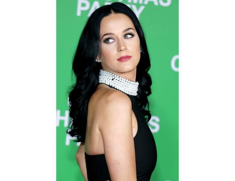 Katy Perry et son brun noir éclatant