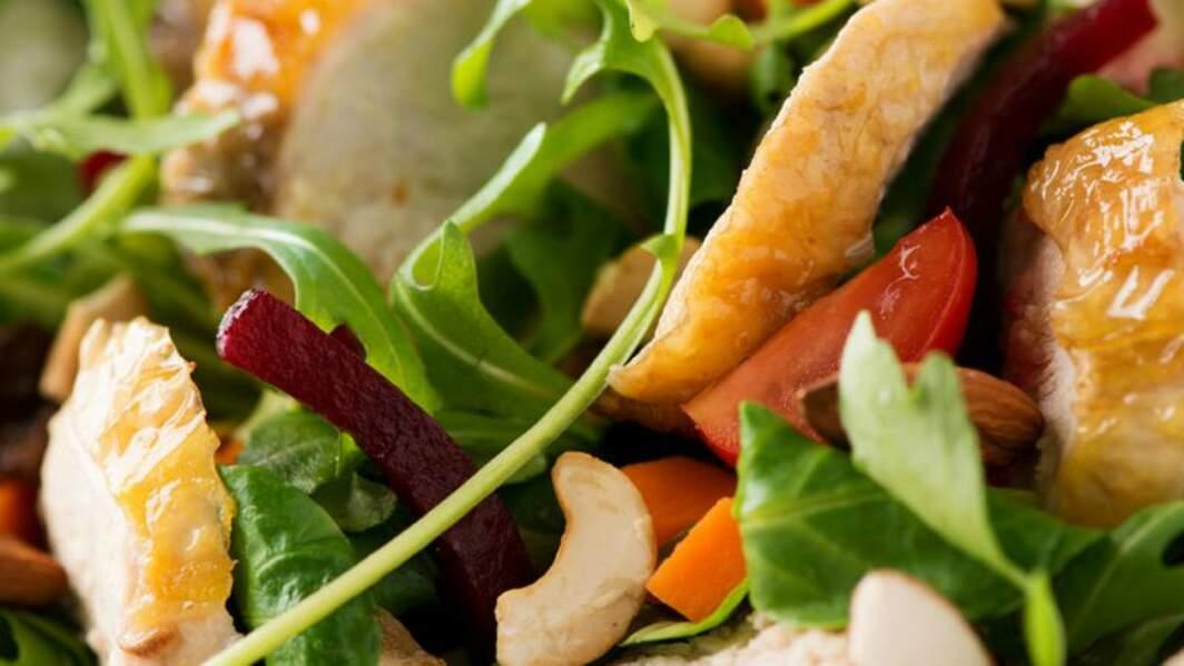 Salade de suprêmes de pintade aux fruits secs