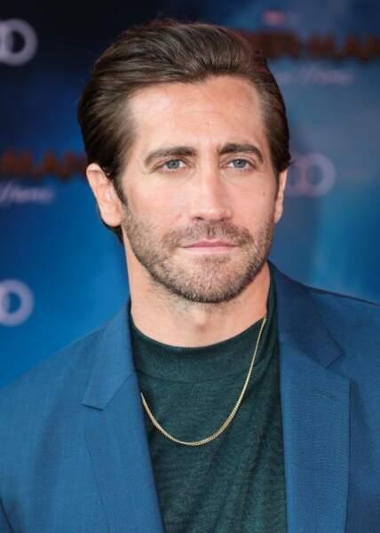 Jake Gyllenhaal se la joue classique avec un brushing plaqué