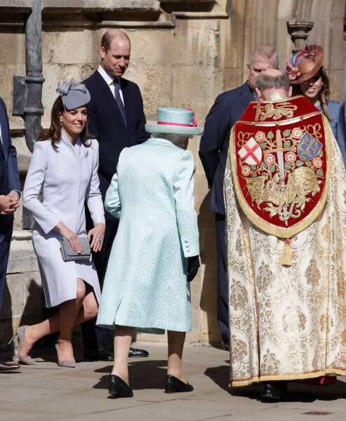 ... en présence de la reine Elisabeth II, le prince Harry, Zara et Mike Tindall.