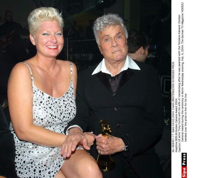 Tony Curtis et sa femme Jil Vandenberg Curtis