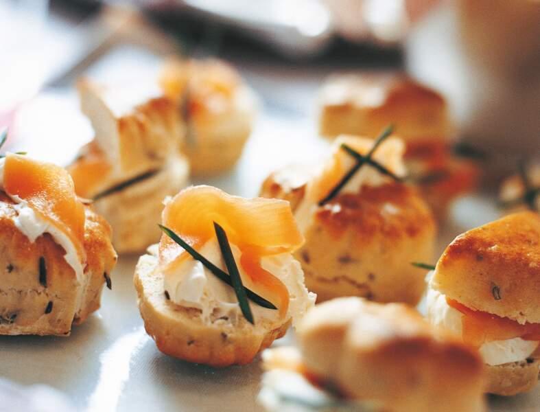 Les scones à la crème et au saumon fumé