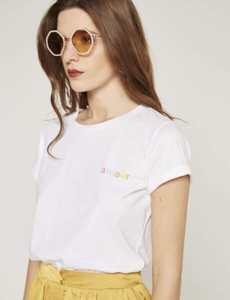 Tee-shirt blanc : romantique