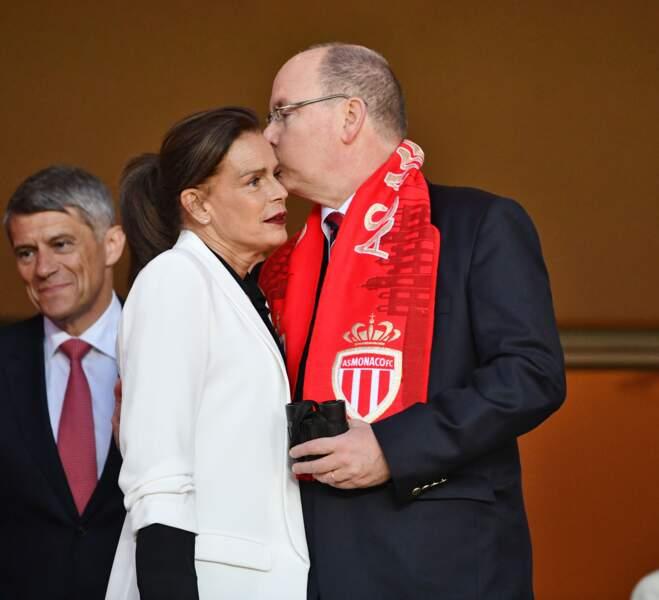 Le prince Albert II de Monaco et sa soeur Stéphanie assistent au match Monaco/Saint-Etienne le 12 mai 2018.
