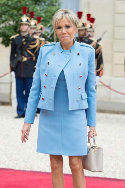 Le chignon flou de Brigitte Macron