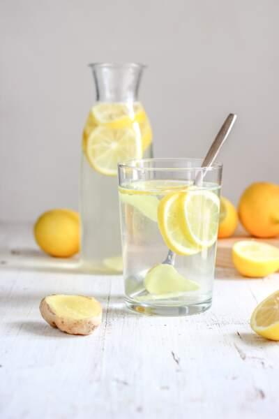 Adopter l'eau citronnée, une boisson détox