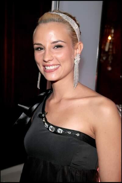 Elodie Gossuin lors d'une soirée à Paris le 25 avril 2007.