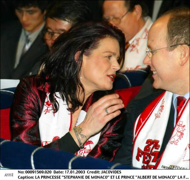 Le prince Albert II de Monaco et sa soeur Stéphanie au festival du cirque de Monaco en 2003.