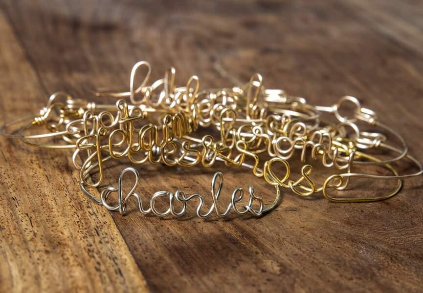 """Tendance bijoux """"stacking"""" : le bracelet message"""