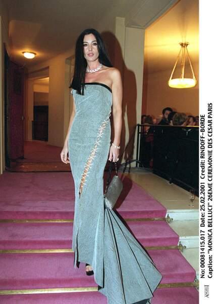 Les robes les plus sexy de Monica Bellucci : février 2001