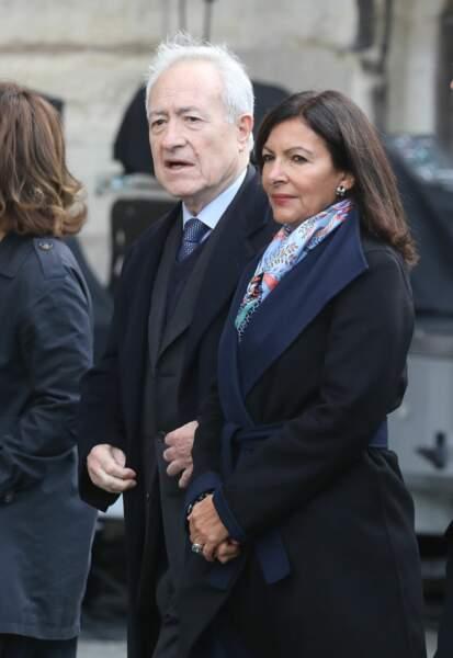 ... Jean Tiberi, ancien maire de Paris, et Anne Hidalgo, maire actuelle de Paris, ont fait le déplacement...