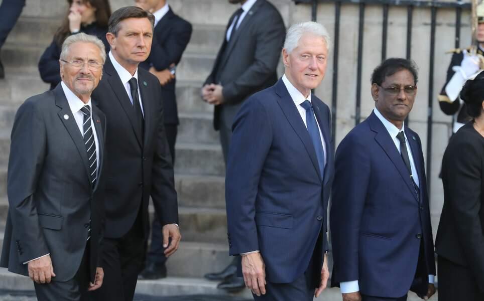 ... l'ancien président des États-Unis Bill Clinton...