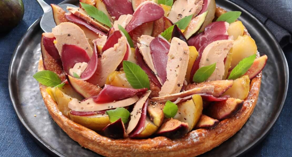 Tarte merveilleuse, poires, magret fumé et foie gras