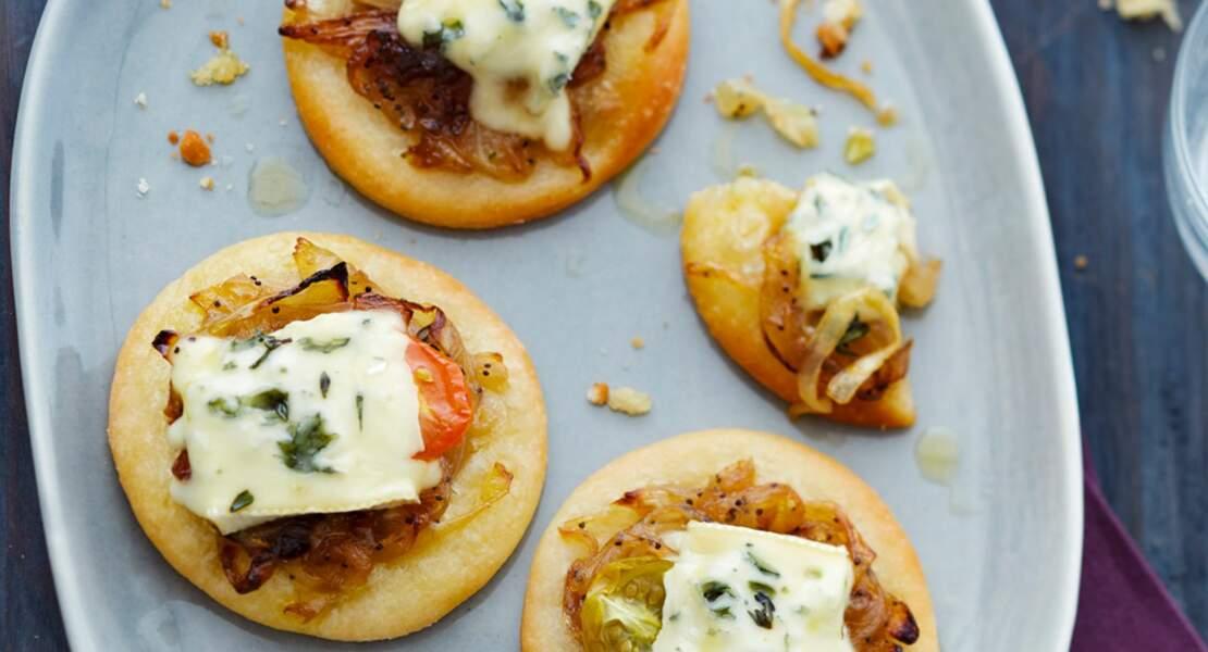 Pizzetta à l'oignon confit au Suprême de Bresse Bleu