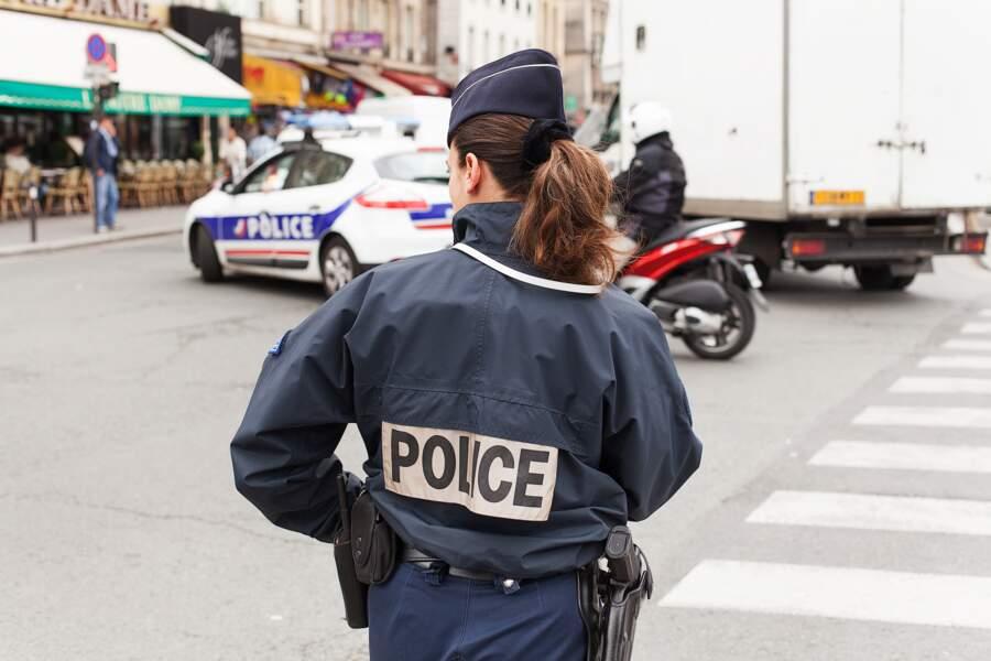 Les agents de police