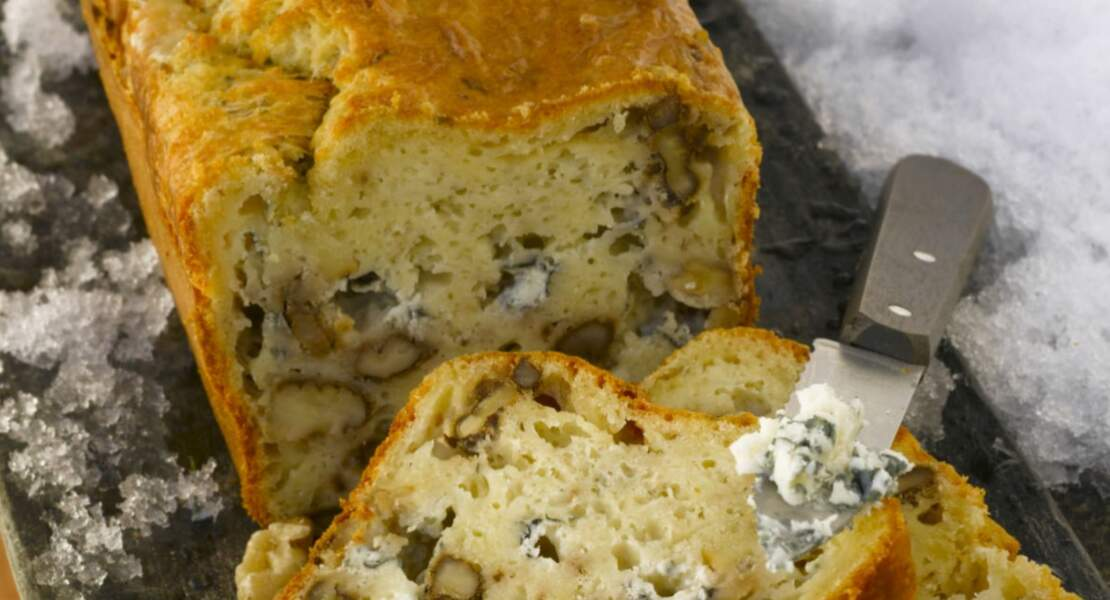 Cake roquefort-noix