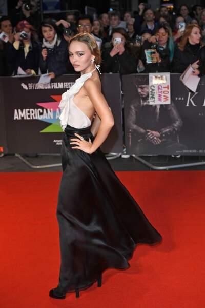 Lily-Rose Depp : oups, l'accident de décolleté sur tapis rouge !