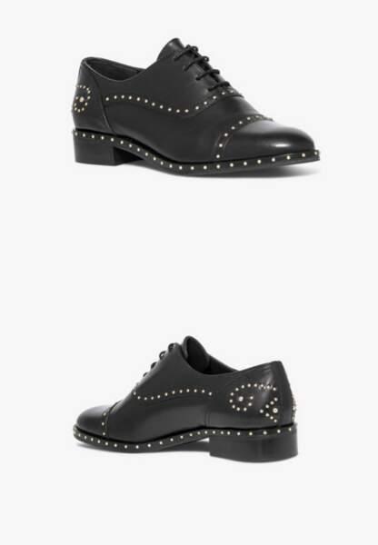Tendance chaussures plates : richelieu cloutées