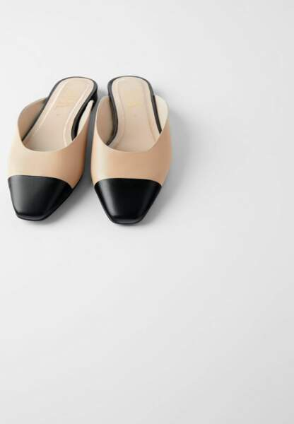Tendance chaussures plates : mules bicolores