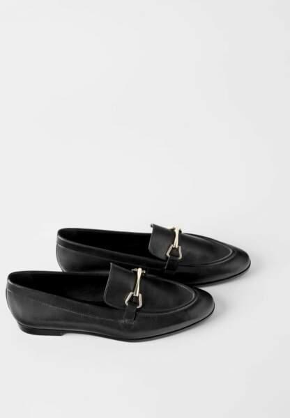 Tendance chaussures plates : mocassins cuir noir