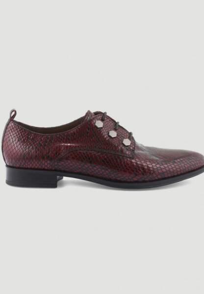 Tendance chaussures plates : derbies effet python