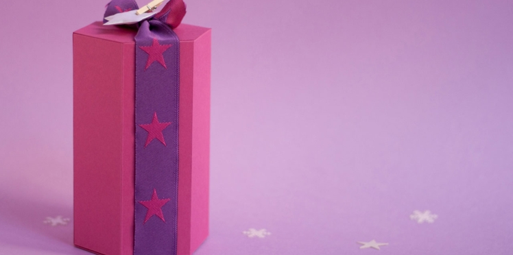 Emballage cadeau : une boîte hexagonale