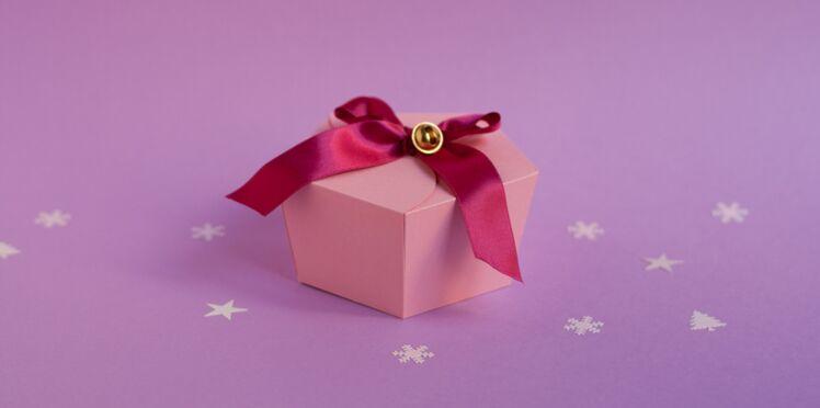 Emballage cadeau : la boîte rose