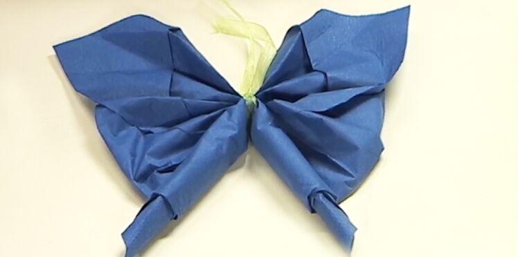 Pliage de serviette : le papillon