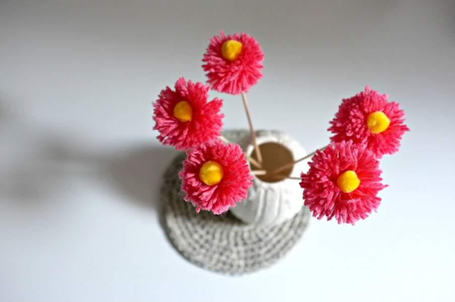Je fabrique des fleurs pompons