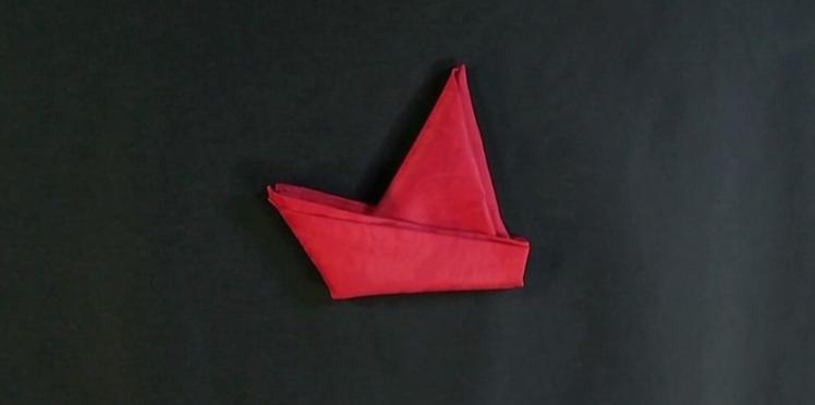 Pliage de serviette : bateau à voile