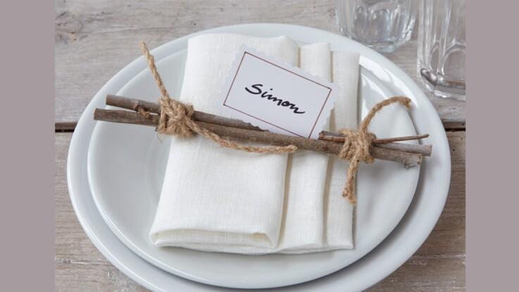 Pliage de serviette : plis pochette