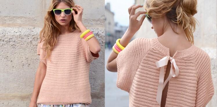 Un pull blouse rose poudré à tricoter