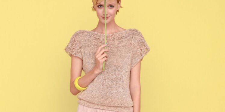 Un pull tube manches courtes à tricoter