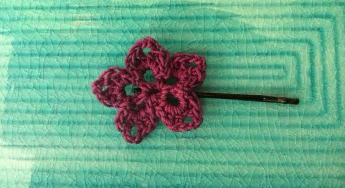 Une barrette fleur au crochet
