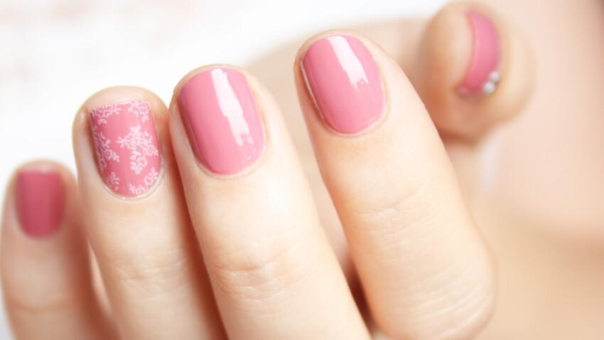 Nail-art mariage inspiration dentelle