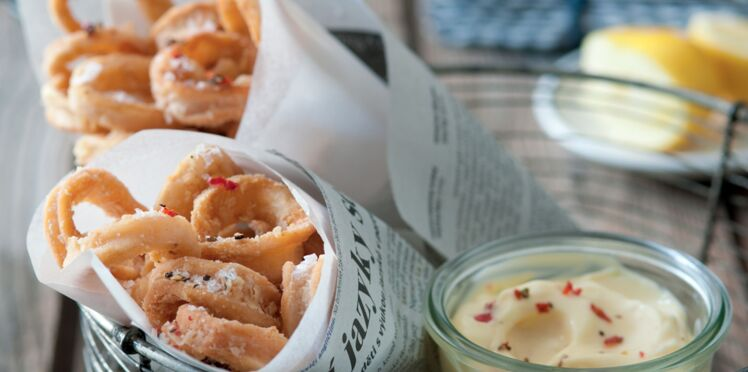 Beignets de calamars et mayonnaise pimentée