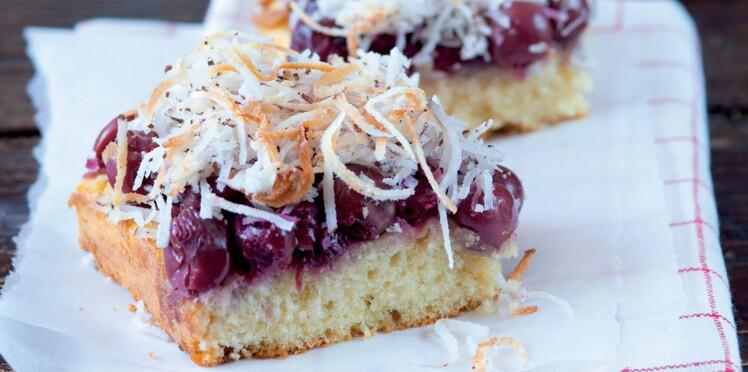 Gâteau nantais aux griottes confites et noix de coco