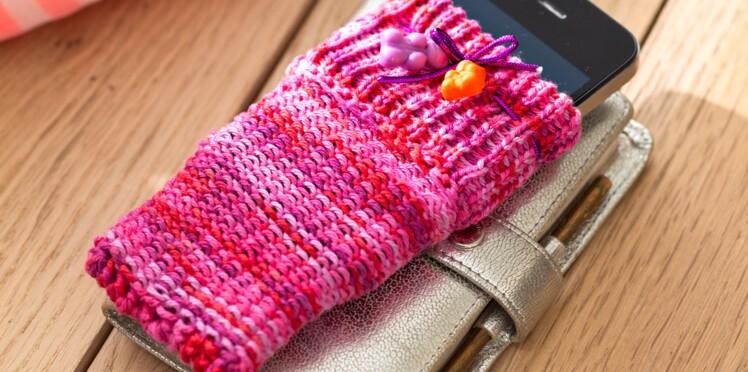 Je tricote un étui de portable