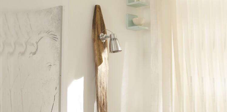 fabriquer un lampadaire en bois flott femme actuelle le mag. Black Bedroom Furniture Sets. Home Design Ideas
