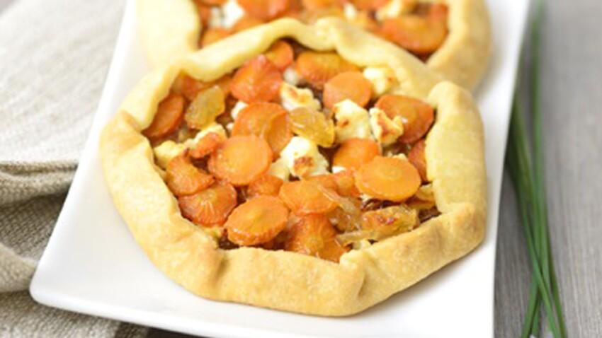 Tartelettes de carottes, oignons confits et feta