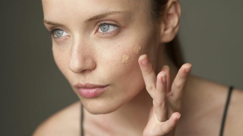 Un make-up parfait du bout des doigts