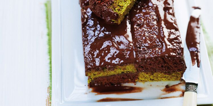 Cake bicolore au sésame noir