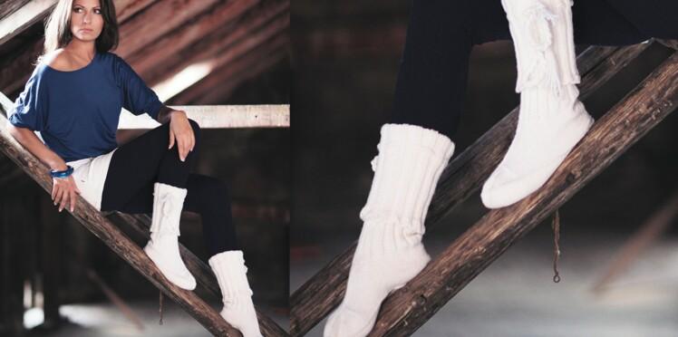 Les chaussettes d'intérieur écrues