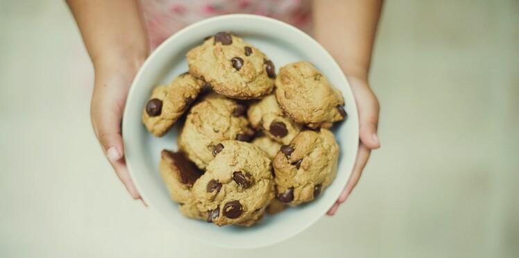 Des cookies aux pépites de chocolat pour les enfants