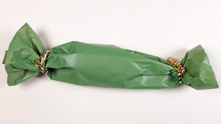 Paquet cadeau : emballer un objet compliqué