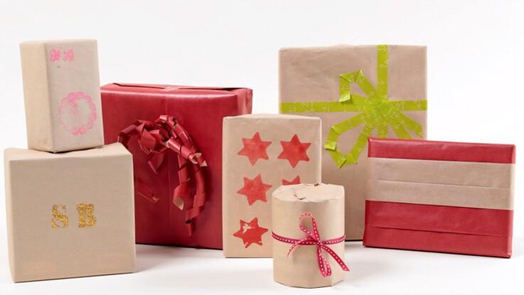 Paquets-cadeaux personnalisés : tampon, pochoir...