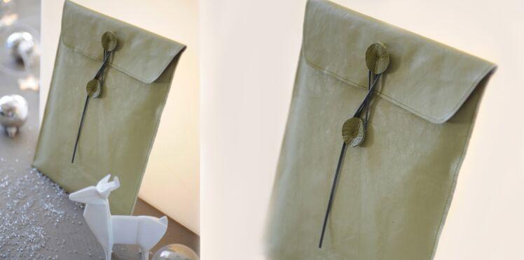 Une pochette chic en cuir