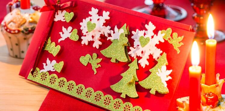Une carte de Noël à fabriquer avec des sapins en relief